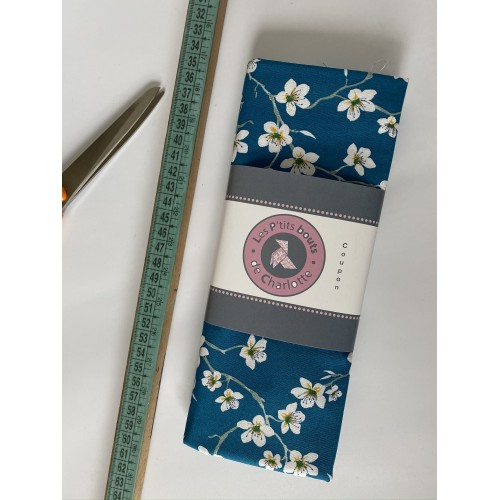 Tissu à motif fleurs Amandier